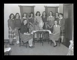 Marylhurst College students, full-length portrait, 1944?