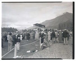 Crowd gathered for President Franklin D. Roosevelt's speech at Bonneville dam construction site