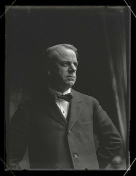 Senator William S. Kenyon of Iowa?