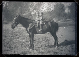 Finley children on horseback