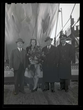 Melva Lillian Cole and group at ship-launching ceremony, Albina Engine & Machine Works, Portland