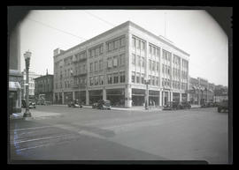 John K. Leander Company auto dealership, Broadway North and Everett Street, Portland