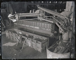 Constructing a casting flasks at Columbia Steel Casting Company