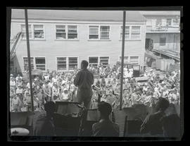 George Buckle addressing workers at Albina Engine & Machine Works, Portland