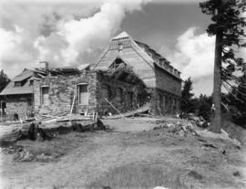 Crater Lake Lodge construction