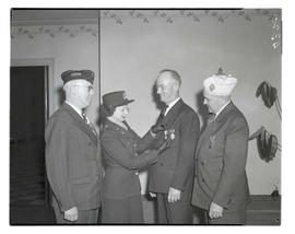 Unidentified man receiving Silver Star