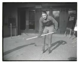 Lefty McDonald, hockey player