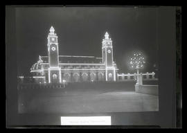 Night photograph of U. S. Government building, Lewis and Clark Centennial Exposition, Portland