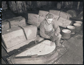 Mold-making at Columbia Steel Casting Company