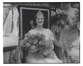 1932 Portland Rose Festival Queen Frances Kanzler on throne at coronation