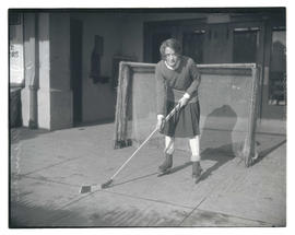 Julia Wimers, hockey player