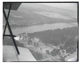 Aerial view of Hayden Island and Jantzen Beach amusement park, Portland