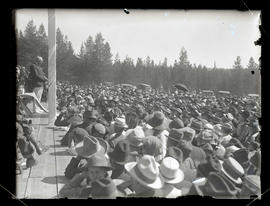 President Warren G. Harding addressing crowd in Meacham, Oregon