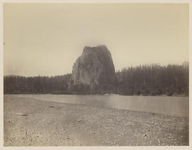 """Castle Rock. Columbia River."" (Mammoth 425)"