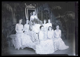 1932 Portland Rose Festival Queen Frances Kanzler with court