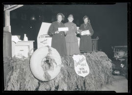 Women from Salvation Army on doughnut-themed float