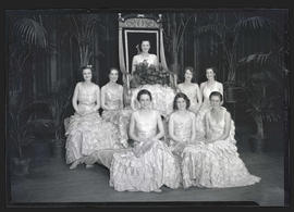 1932 Rose Festival Queen Frances Kanzler with court