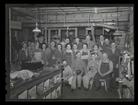 Workers on swing shift, Albina Engine & Machine Works, Portland