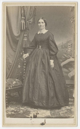 Portrait of an unidentified woman from Bradley & Rulofson Studio