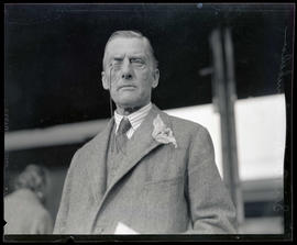 Sir Austen Chamberlain at Union Station, Portland