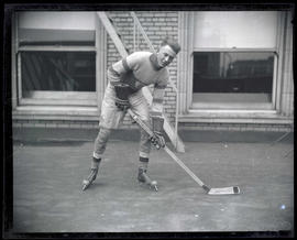 Ernie Leacock, hockey player