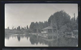 Cabin on the Rogue River