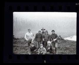 Group at timothy Lake during tree planting