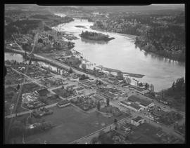 Aerial view of Willamette River and Milwaukie
