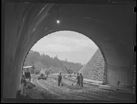 West Burnside tunnel construction