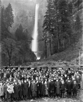 YMCA excursion to Multnomah Falls