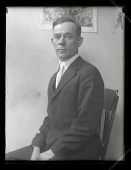 Fred Bolt, Daily News, sitting in chair