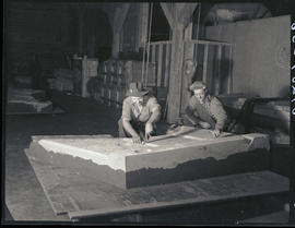 Forming flasks at Columbia Steel Casting Company