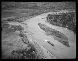 Aerial view of Goat Island and Willamette River