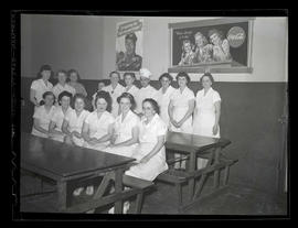 Restaurant or cafeteria workers on swing shift, Albina Engine & Machine Works, Portland