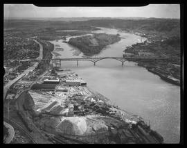 Aerial view of Willamette River and Ross Island Bridge, Portland