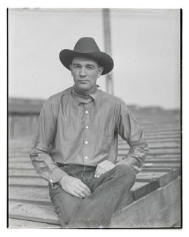 Earl Thode, three-quarters portrait, probably at Pacific International Livestock Exposition