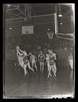 Basketball game between Albina Hellships and Oregon State College