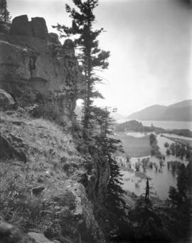 View of Cascade Locks vicinity, Columbia River