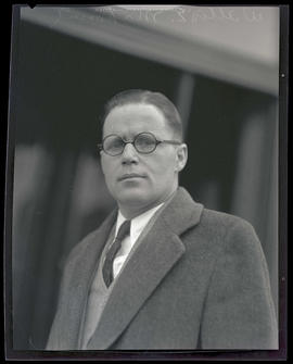 Willis E. Mahoney