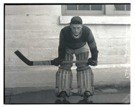 Bud Simpkins, hockey player