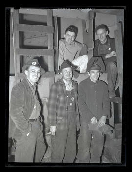 Workers on graveyard shift, Albina Engine & Machine Works, Portland