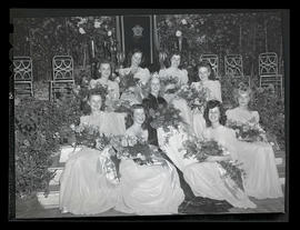 1944 Portland Rose Festival court at selection ceremony
