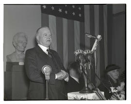 Herbert Hoover speaking at Lincoln Day banquet, Multnomah Hotel, Portland