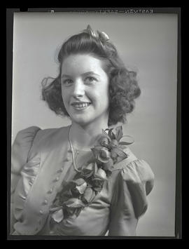 1942 Portland Rose Festival Princess Jean Hart, Jane Addams High School