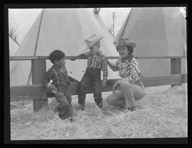Woman with children, Pendleton Round-Up