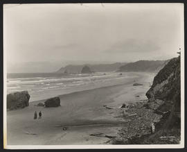 View of Cannon Beach and Haystack Rock