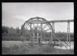 Fish Wheel on the Klamath River