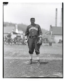 Herb Lahti, baseball player for Blitz-Weinhard