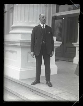 Joseph F. Singer, Oregon House of Representatives sergeant-at-arms, outside state capitol