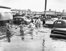 Rescuing residents trapped in the Vanport flood